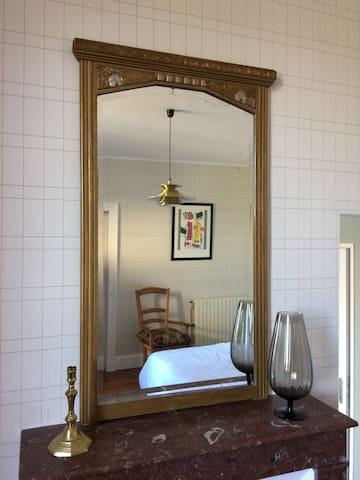 Bel appartement dans une maison de caractère - Ozillac - Apartment