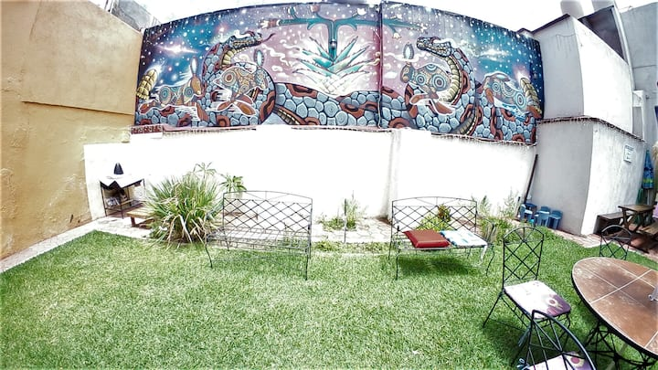 3 private rooms with pool in downtown Oaxaca
