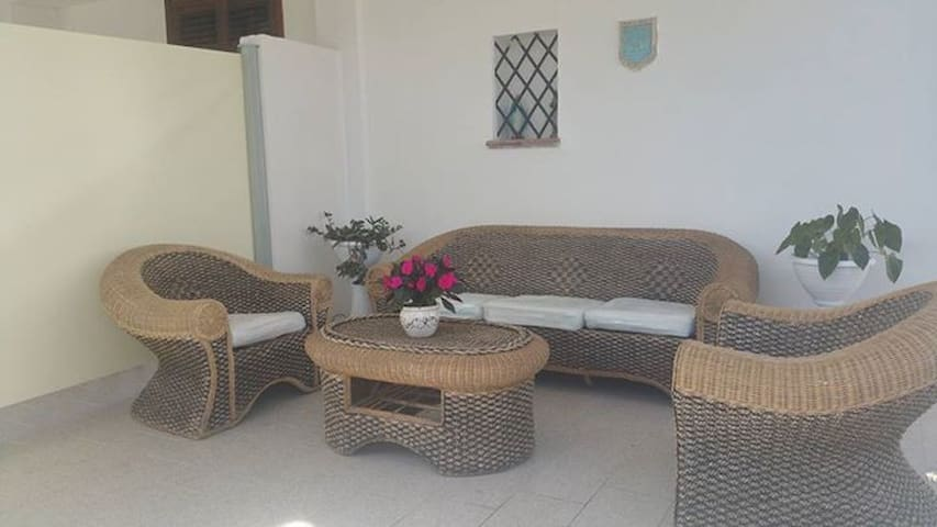 comoda villa a 2 passi dal mare - Contrada Fiori Sud - Apartament
