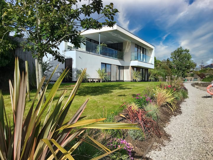 Luxury waterside holiday home close to Kingsand