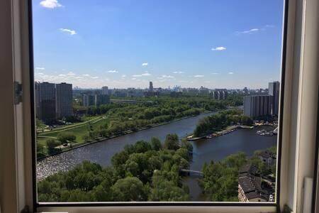 Flat with a beautiful view (с видом на всю Москву)