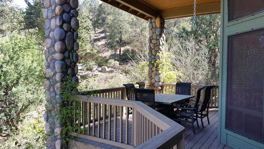 Breathtaking Mtn Views! Renovated Vacation Home