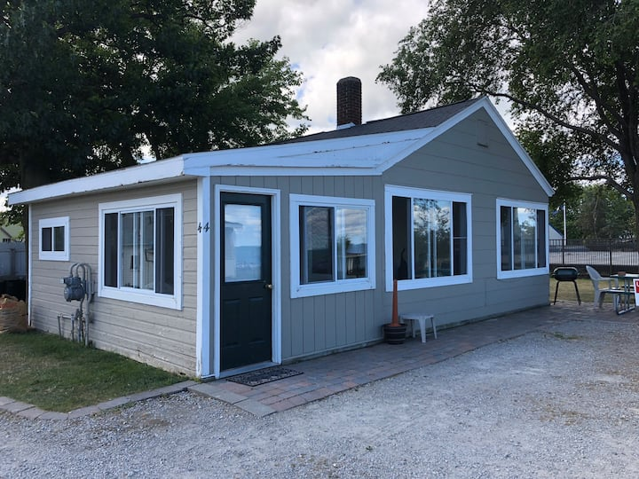 Stay in the Heart of Port Austin!  Cottage #4