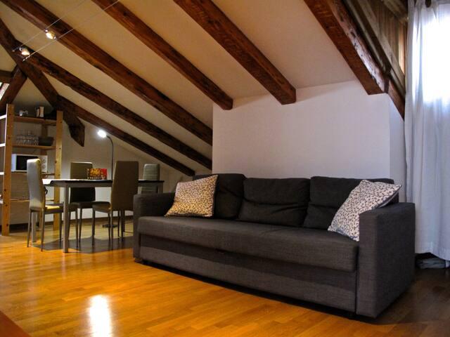Trieste centro - cosy attic flat