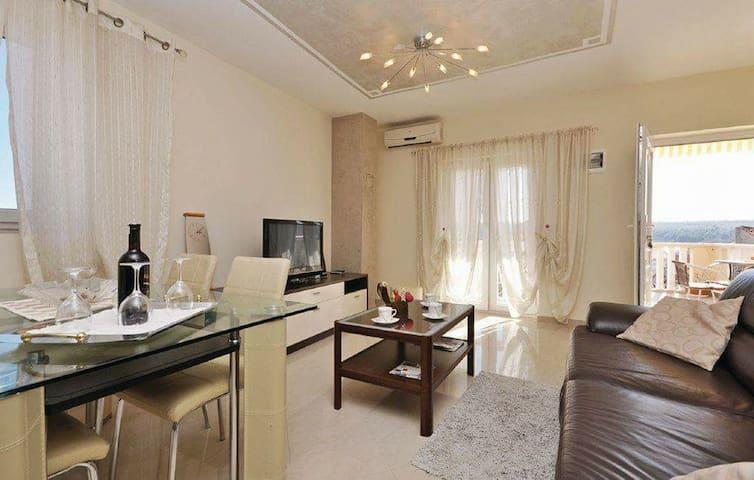 Apartment Kontrada 2