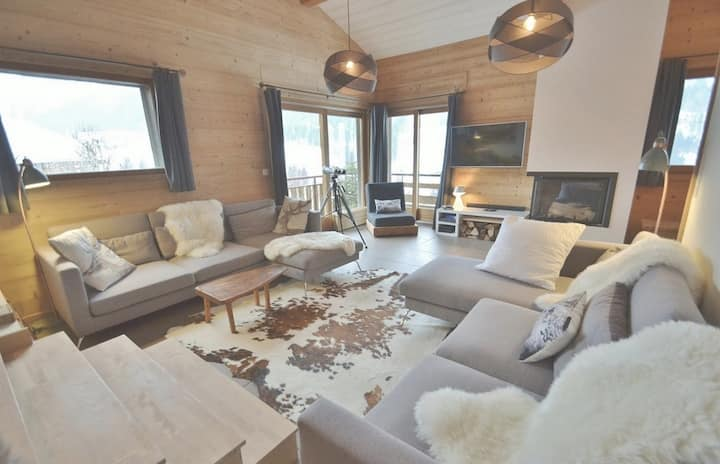 Grand chalet ind 9-10 pers, 5 ch, 190m², sauna, wifi proche pistes!