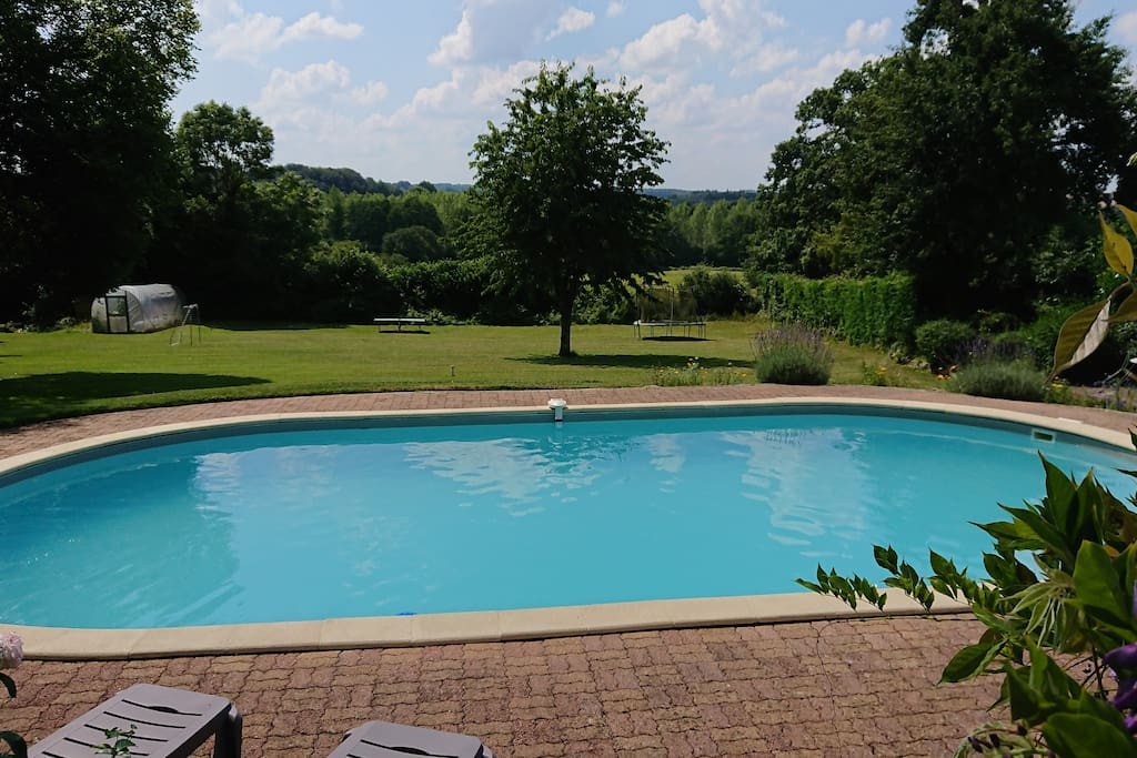 Heated swimming pool 10m x 5m x 1.5m (23 to 25 degrees) May to mid September