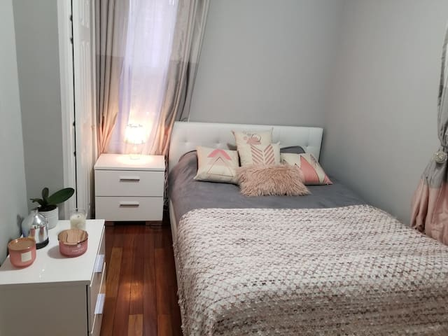 Cute and Cozy Private Room