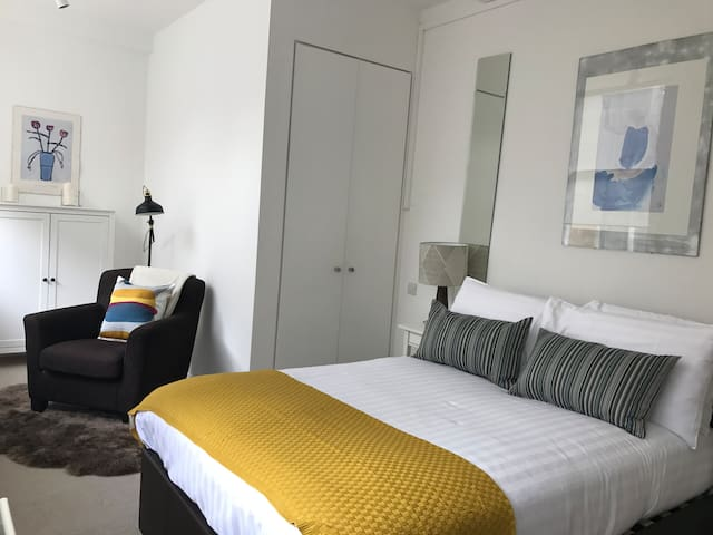 Bright 1 bed near St Pauls Cathedral