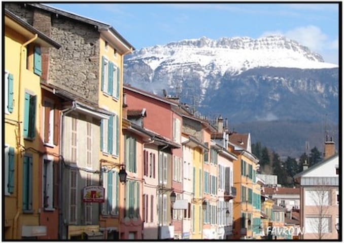 Voiron, SUN,and View Mountain - Voiron - Leilighet