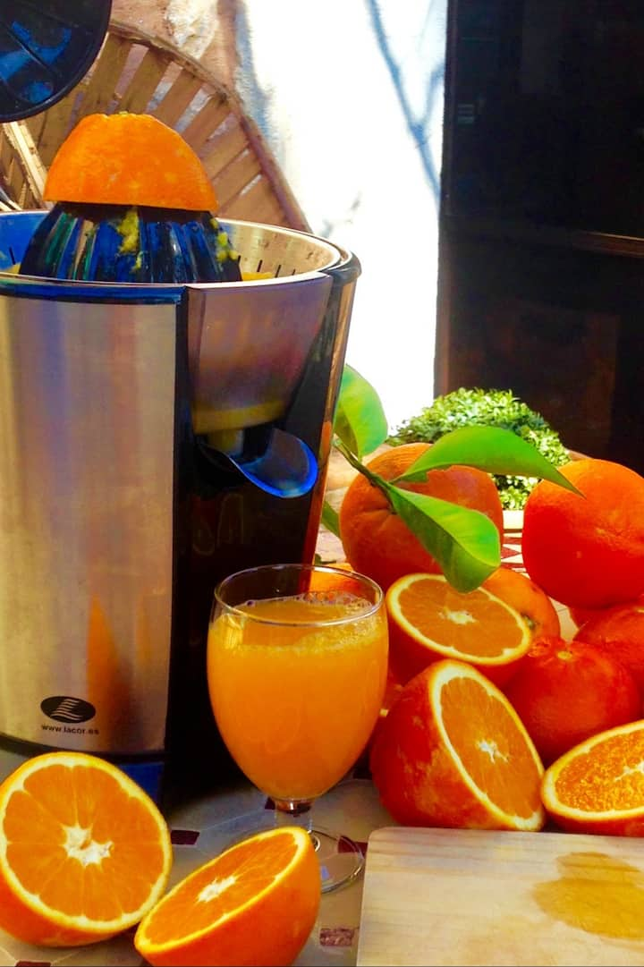 Zumo fresco y natural de naranja