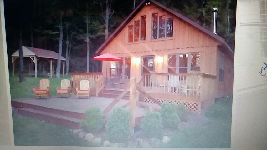 BEAUTIFUL CHALET IN THE WOODS - Bemus Point