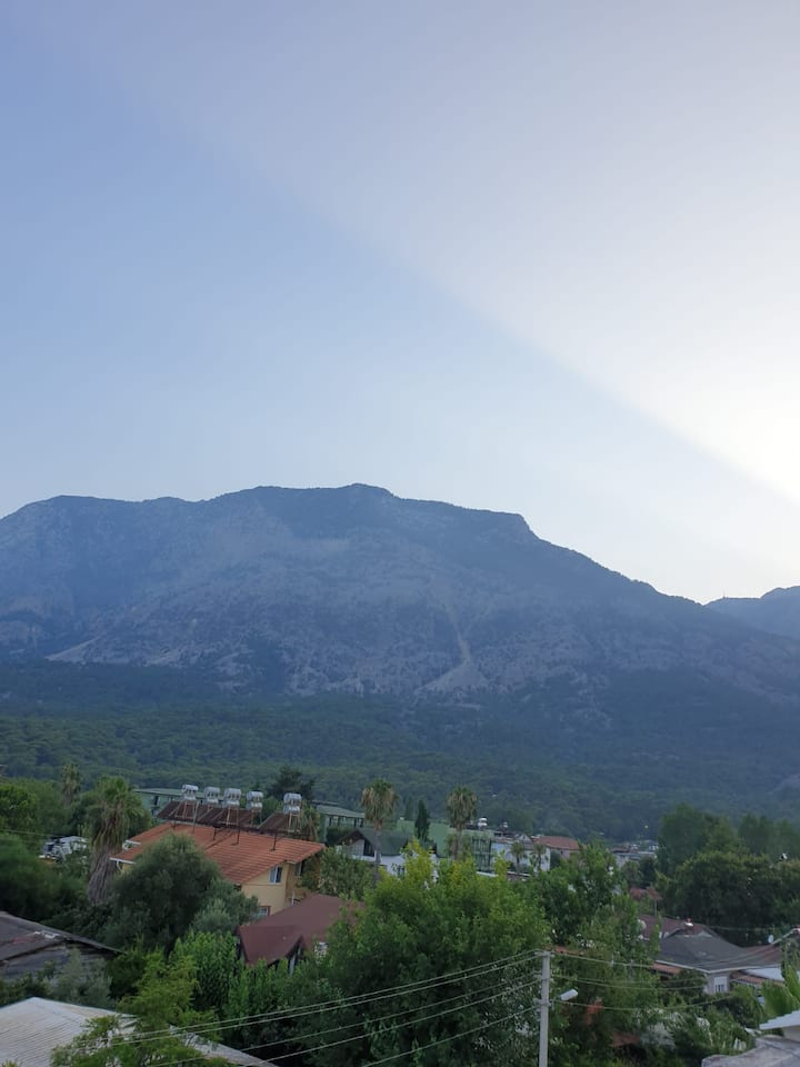 Furnished home with mountain view 100 mt to beach