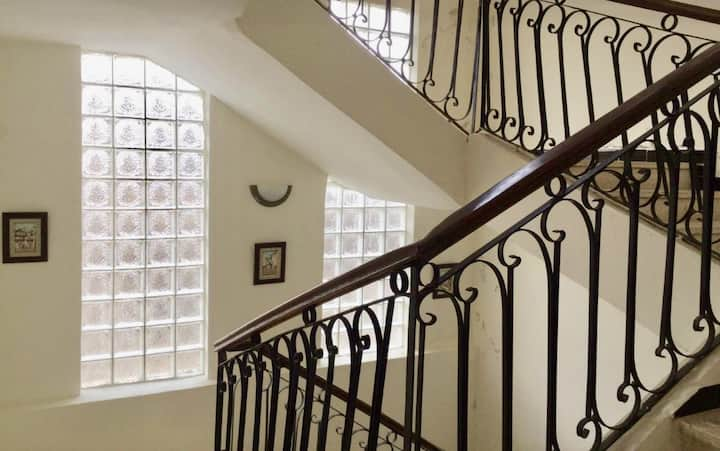 Loue Belle Villa sur deux niveaux