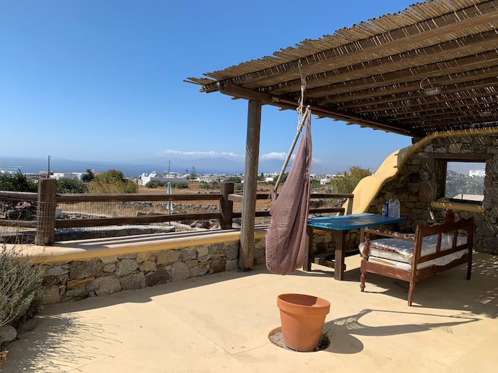 Comfortable Cycladic house close to the airport