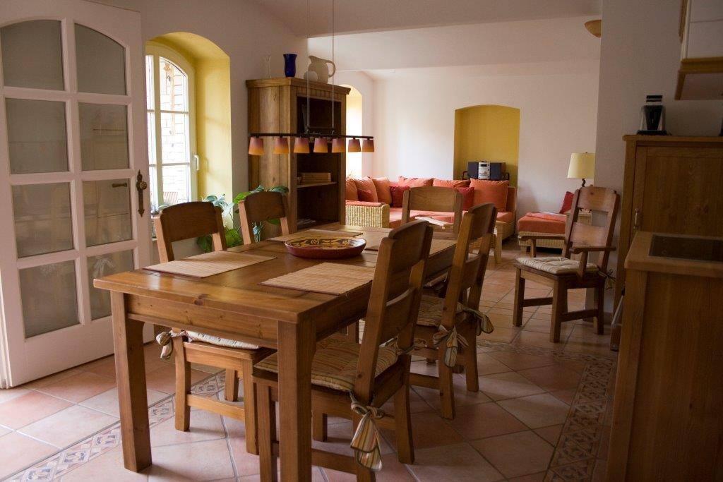 Italienisch-moderner Landhausstil
