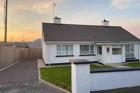 3 bedroom house ,Ballybofey-Wild Atlantic Way