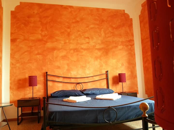 B & b Oasis Passion Fiera - Triple room with Wifi and Ac, external bathroom