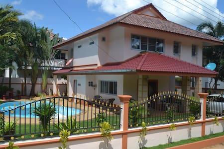 Pool Villa in Sai Thai Krabi - Tambon Ao Nang - 独立屋