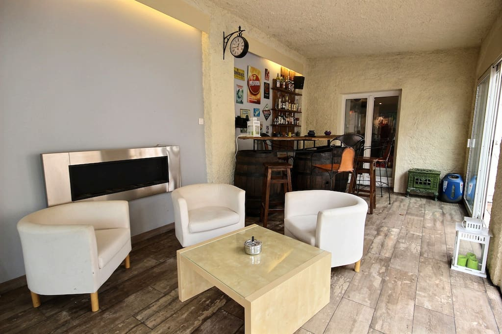 Euro 2016 saint etienne all incl houses for rent in for Bar a champagne saint etienne