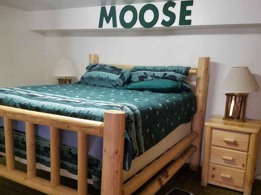 moose king size bed
