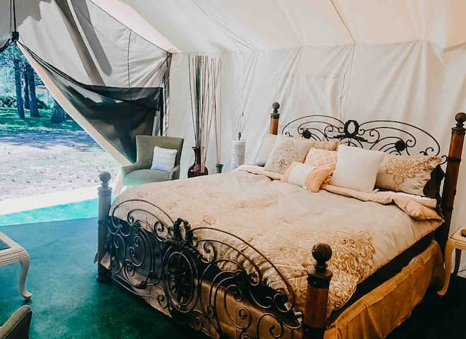 "Valley Village Glamping ""ZEN"" tent"