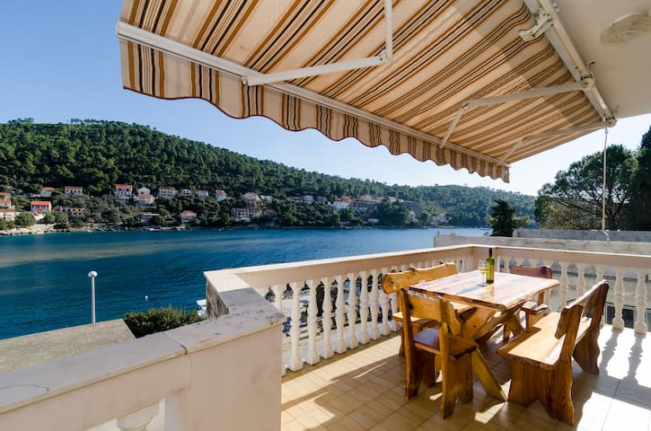 Kuzma -  Four-Bedroom with Terrace and Sea View - Brna - Apartamento