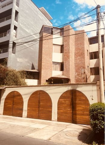 RENT IN THE VERY CENTER OF MIRAFLORES