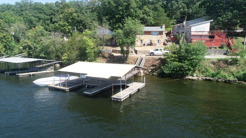 Lakefront House with Private Dock!!!