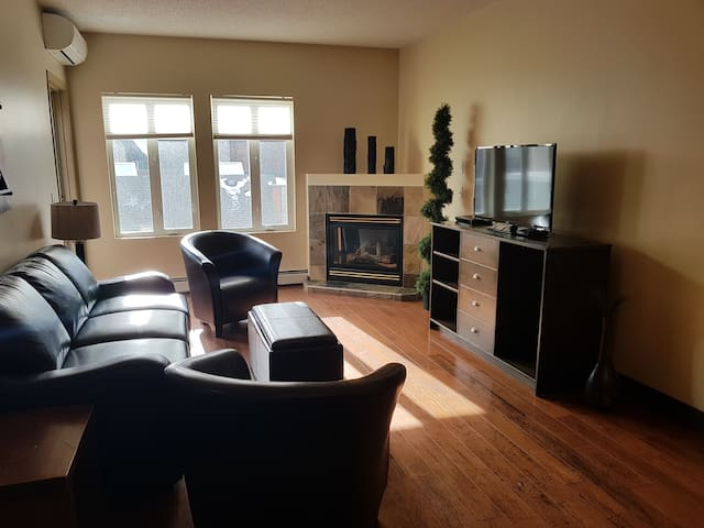 2-BR, Balcony Suite - Sunset Resorts Canmore & Spa