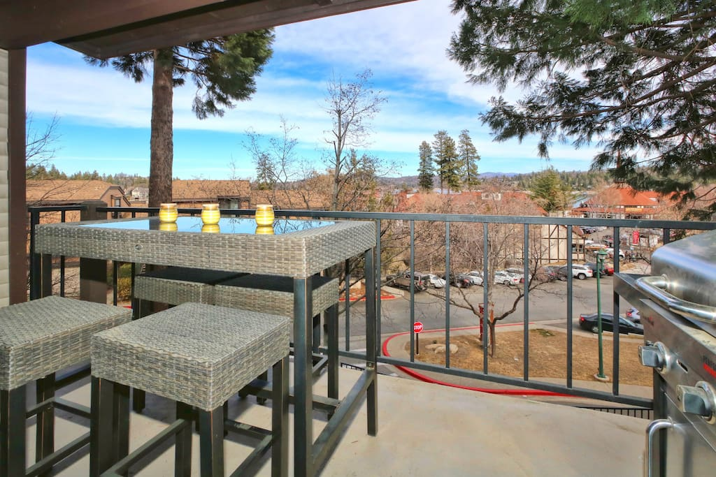 Lake arrowhead luxury lake view with fireplace cabins for Cabins in lake arrowhead ca