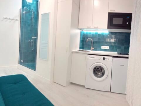 Studio design situé avenue Hoche Paris 8