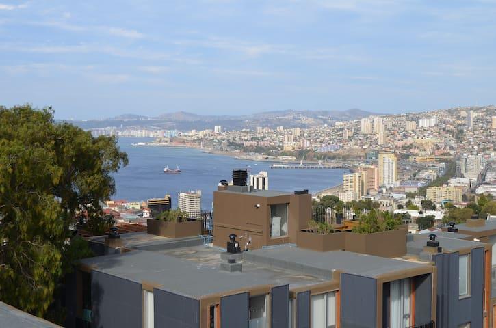 Depto con terraza en Cerro Alegre