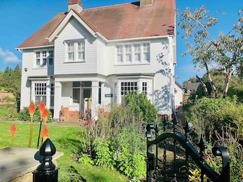 Greystones Cottage, Long Itchington
