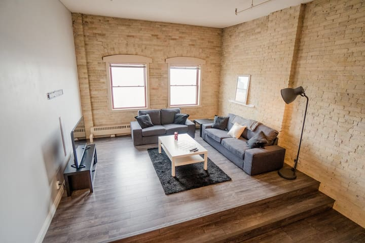 1 bedroom loft style downtown