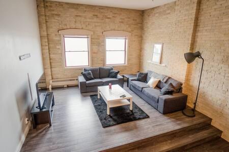 1 bedroom loft style downtown