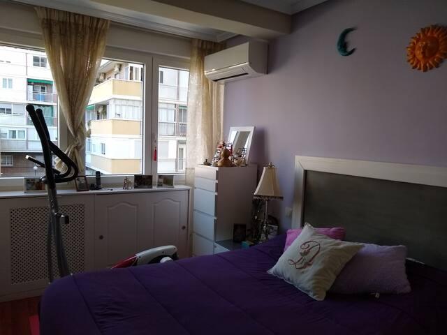 Habitación super confortable en zona Madrid Río