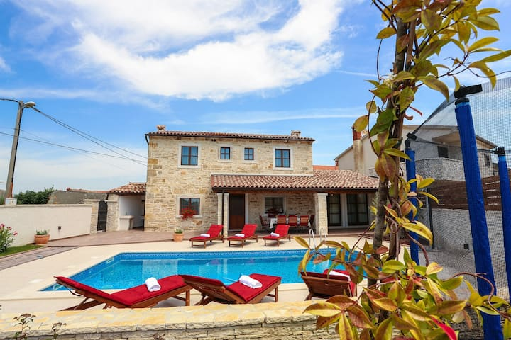 Renovated Istrian house with Pool - Villa Gina - Valtura - Casa