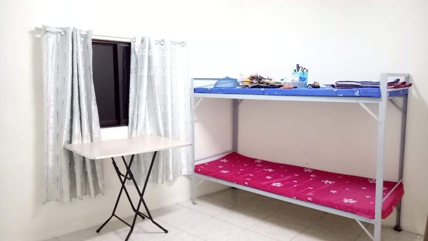 Cheapest Fan Room 2 near PRC & University Belt