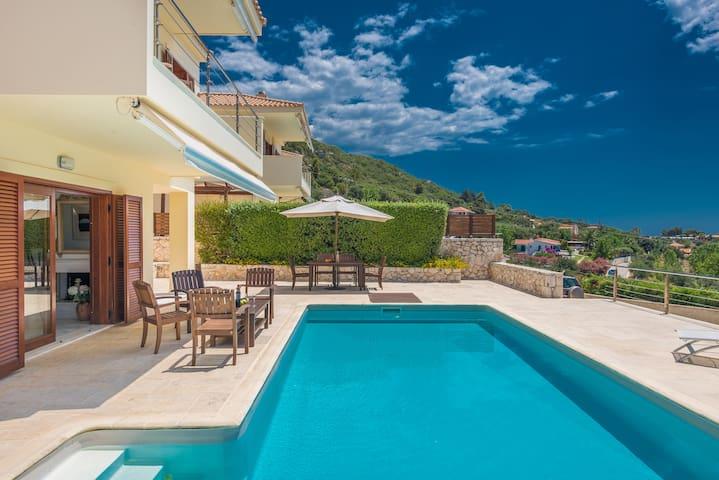 Luxury Lassi Villa 1