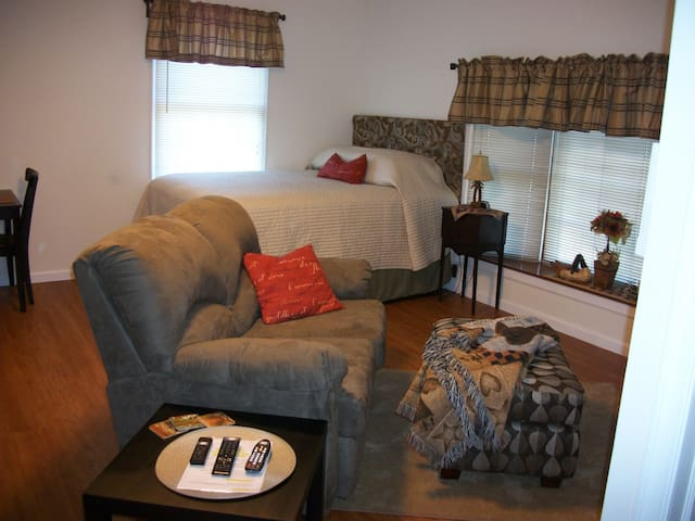 Studio Apartment in Elkton, MD - Elkton - Departamento