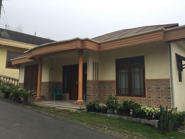 Casa Homestay - Pasuruan - House