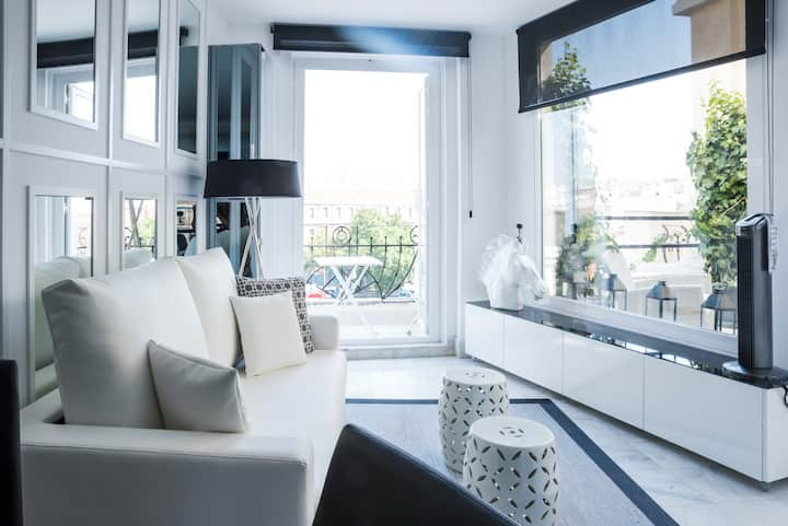 Incredible design apartment 6F, with terrace