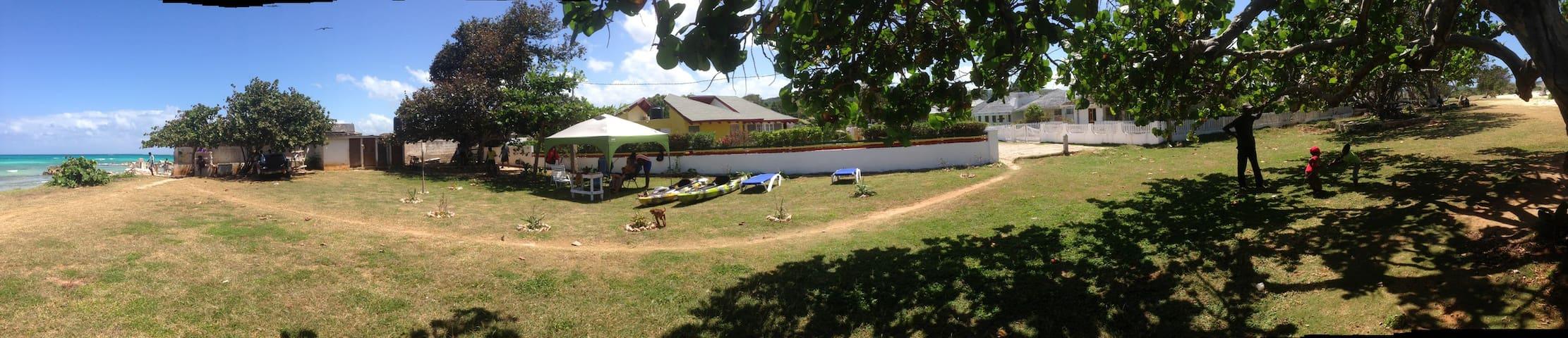 Anansi Beach Cottage 3