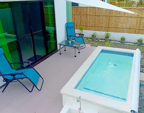 Chez Mélanie 2-hjem og privat basseng i nærheten av Dumaguete