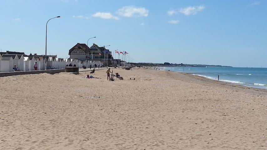 Appartement à 30m de la plage du Débarquement - Bernières-sur-Mer - Flat