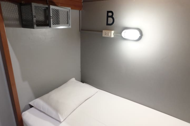 Loftel 22 Hostel - Mixed Dormitory 4 beds in BKK