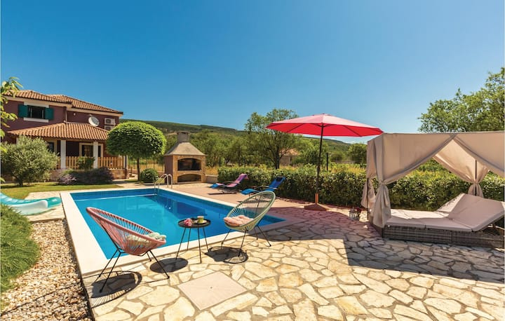 Stunning home in Prolozac Donji with WiFi and 3 Bedrooms