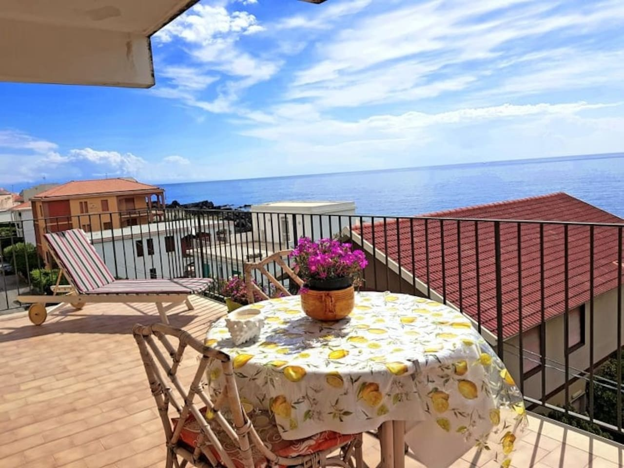 Terasse vue sur mer Terrace view on the sea