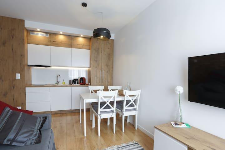 Central Apartments - Rajska Red